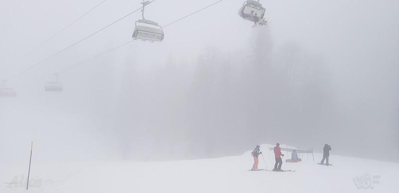 Туман и креселка Роза Хутор