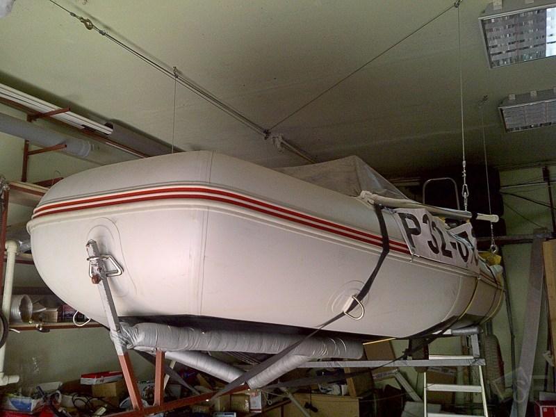 Подъём лодки на лебёдке