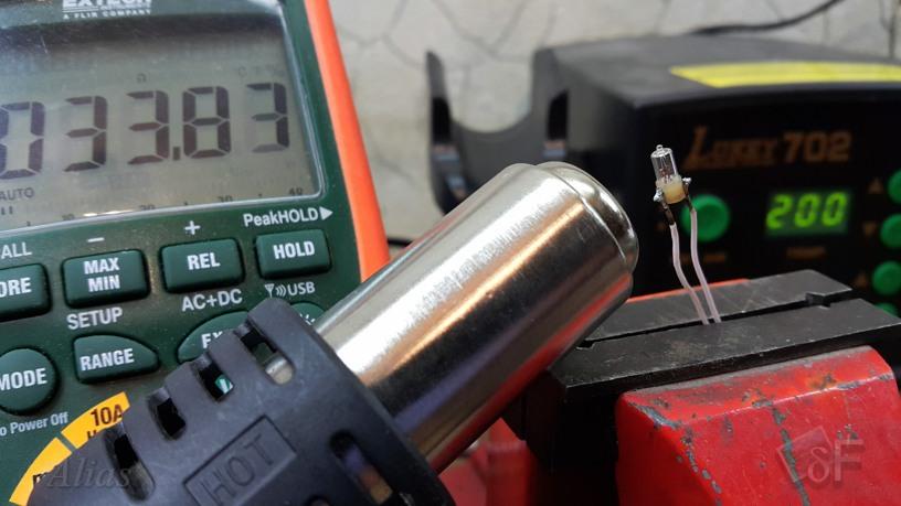 Лампочка в качестве датчика температуры