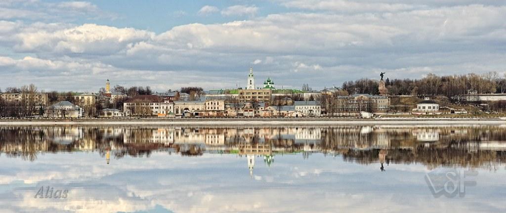 Зеркальная Волга