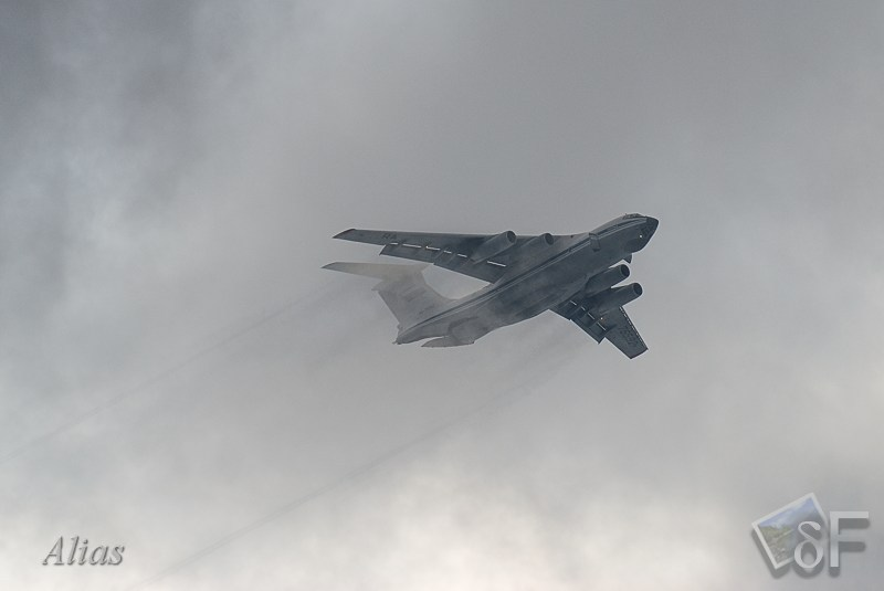 ИЛ-76 с десантом
